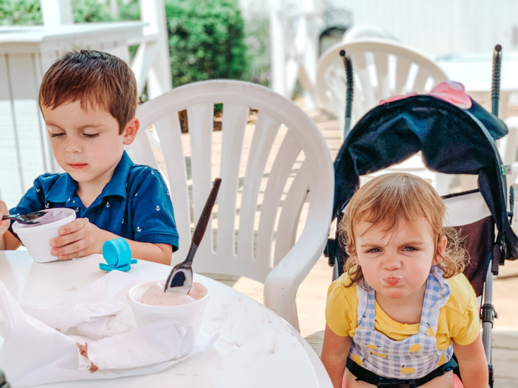 kids eating ice cream at salty dog cafe